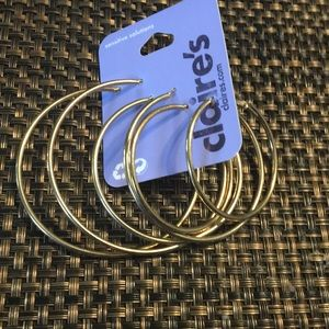 *NWT* 3 pairs Gold tone Hoops